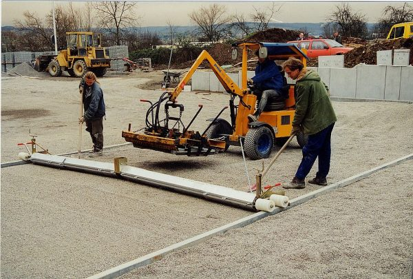 Telescope Screeding System for Hire or Sale - Hireco Plant and Tool - www.hirecopt.ie